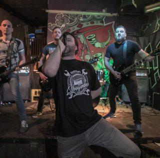 Dawn Of Mankind dropt plaat in Aloys met vette show